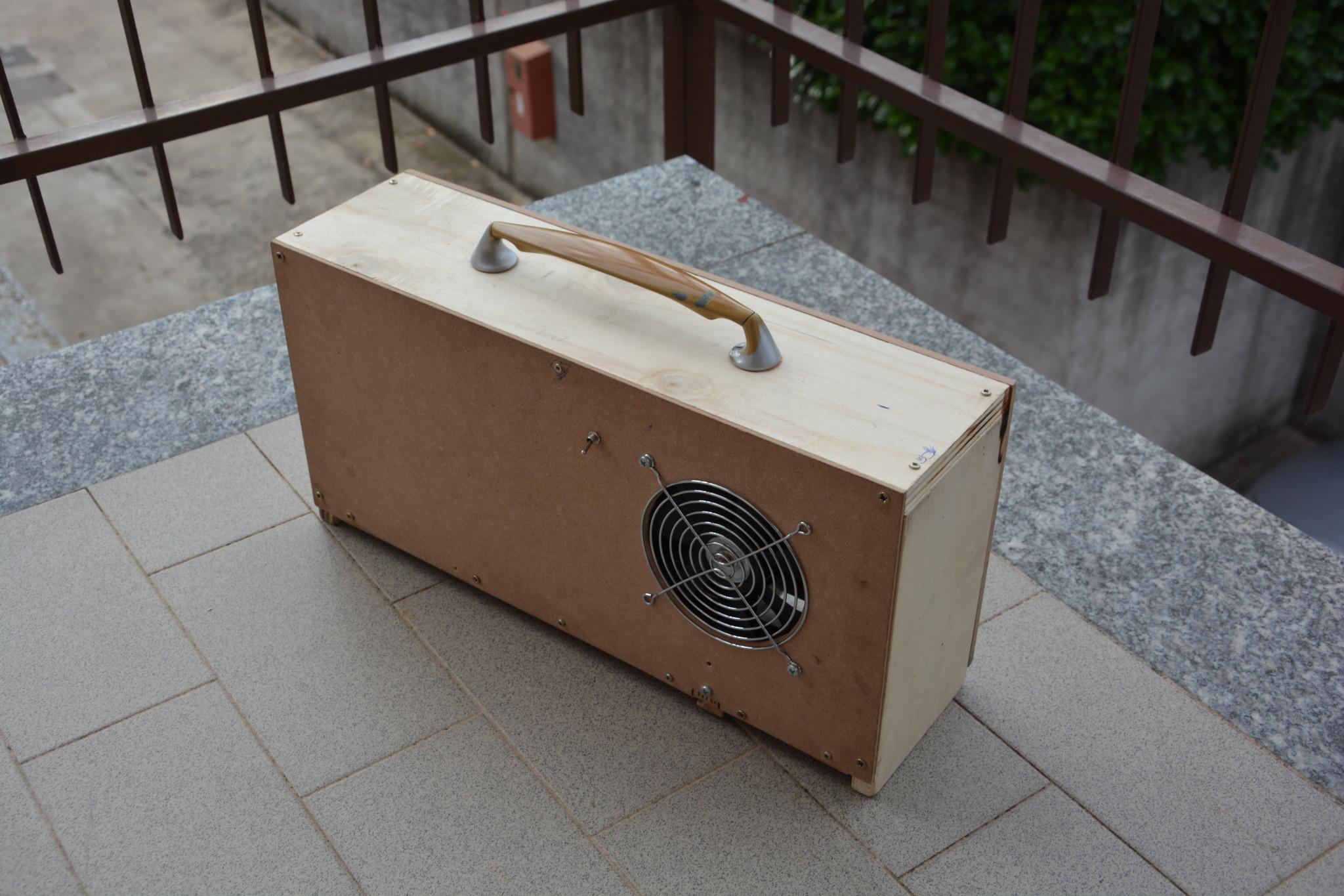 Pc in legno fai da te il progetto di un giovane geek for Piani di garage fai da te