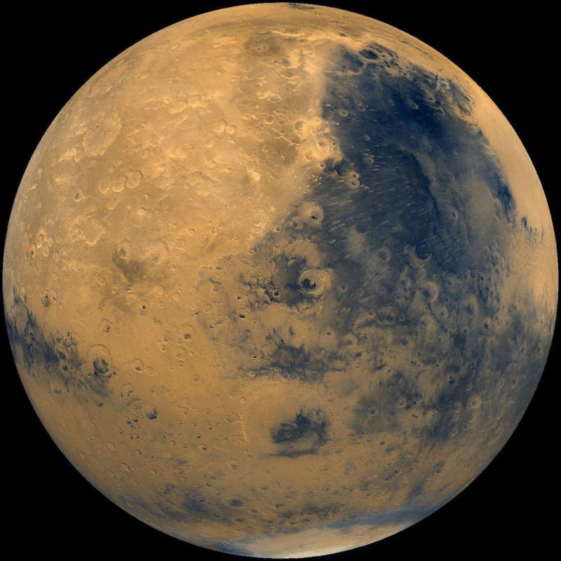 Astronomia, scoperta clamorosa : trovato un grande lago di acqua liquida su Marte