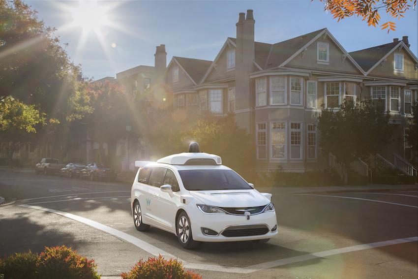 Google Waymo: l'auto a guida autonoma su base Chrysler Pacifica