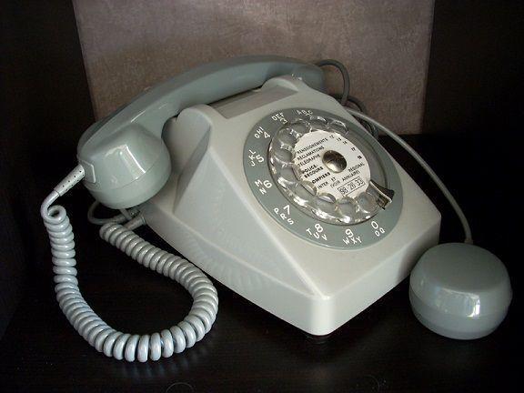 Francia: da novembre addio al telefono fisso