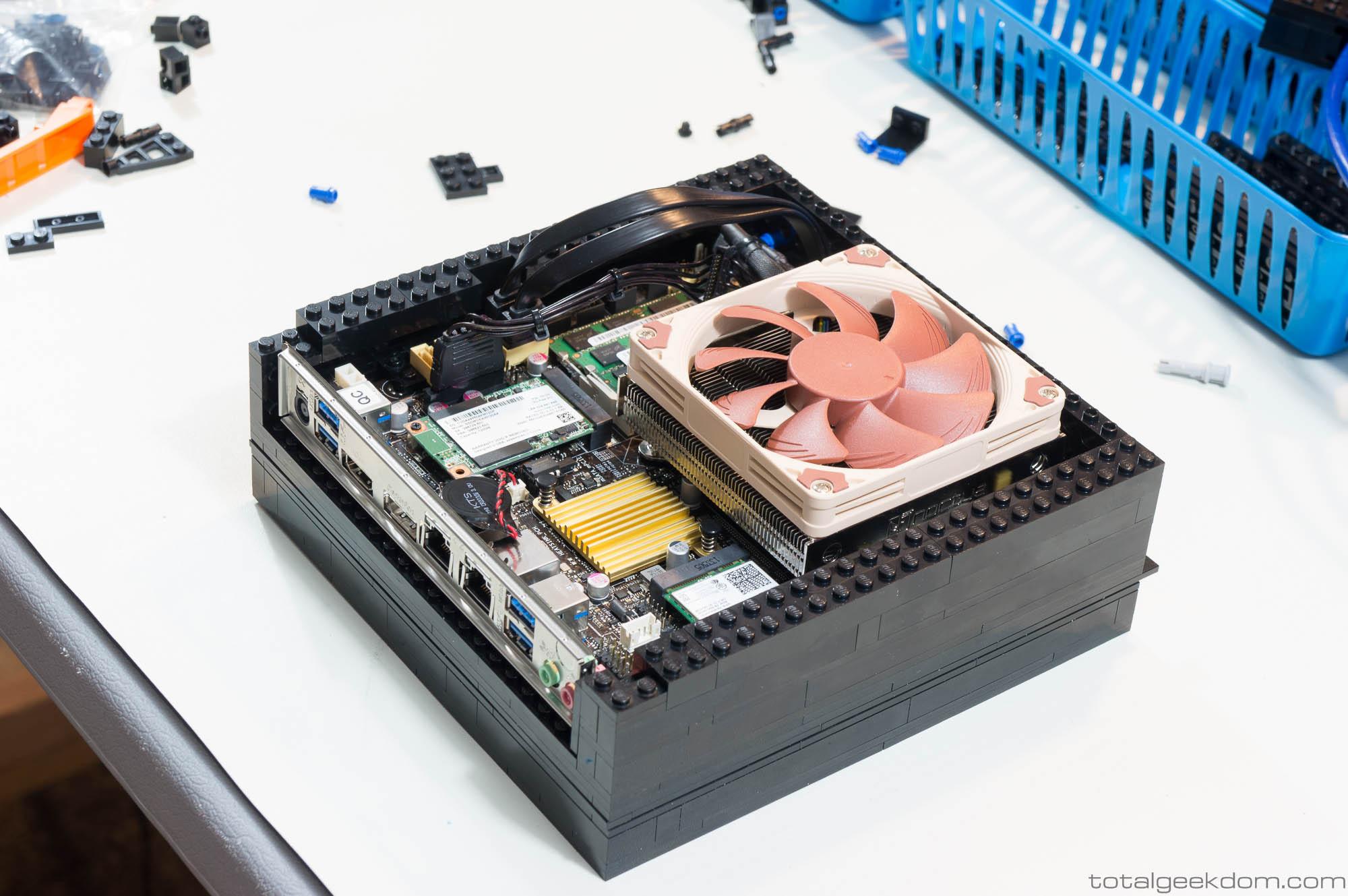 Computer Da Salotto.Il Computer Di Lego Fantastico Da Tenere In Salotto Tom S