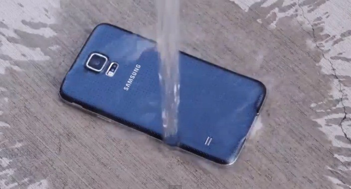 Samsung Galaxy S5 IP67 water resistance