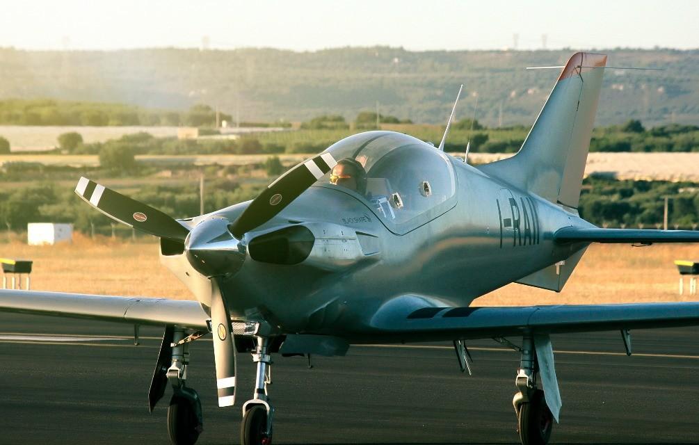 BK160-GABRIÉL, aereo hi-tech italiano da primato mondiale - Tom's Hardware
