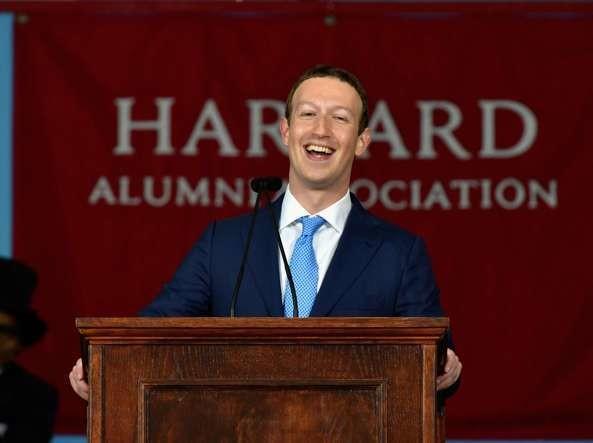 Mark Zuckerberg: è tempo di introdurre il reddito di cittadinanza