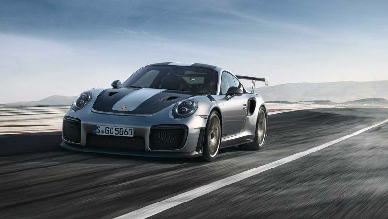 "Porsche 911 GT2 RS - 700 Cv, 750 Nm. 0-100 in 2.9"", 340 km/h"