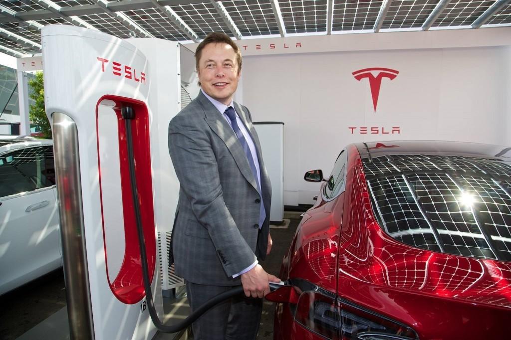 Tesla con AMD per la guida autonoma
