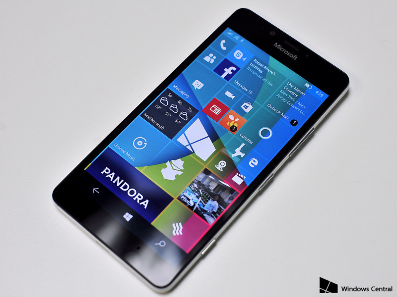 Lumia 950 hero review front