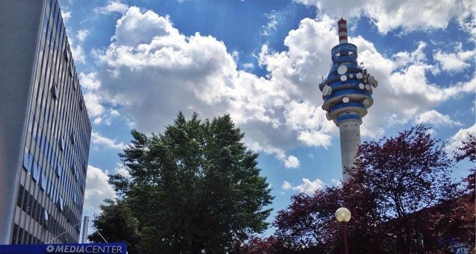 Mediaset vuole 40 milioni da Sky per la trasmissione sat