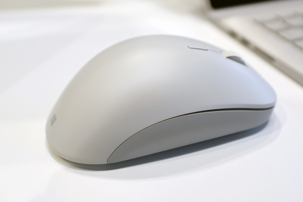 surface precision mouse 01