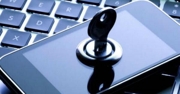 Nella vicenda che vede Apple contrapposta alla Giustizia USA, con quale delle due parti sei d'accordo?: il Sondaggio
