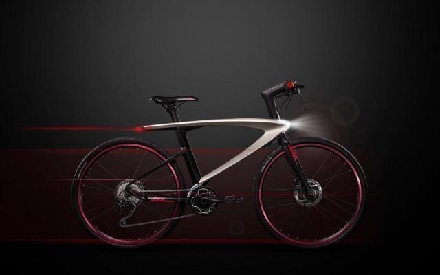 Bicicletta smart con illuminazione laser e smartphone
