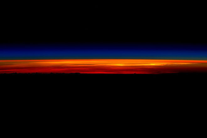scott kelly last sunrise space