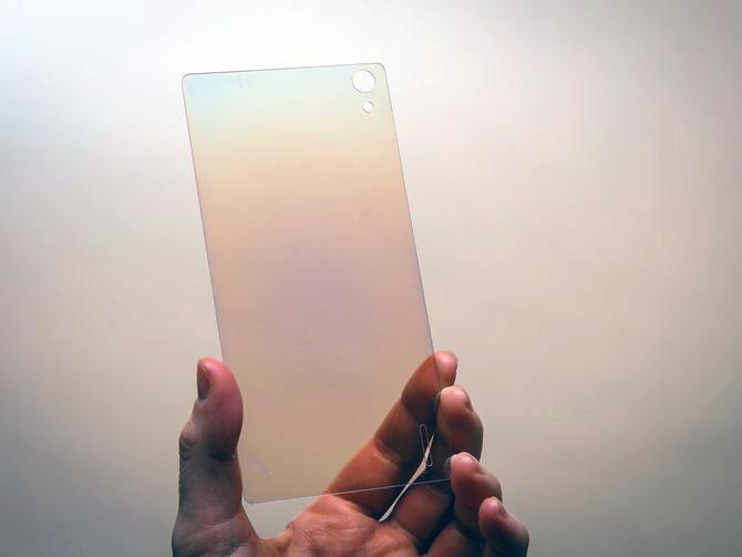Smartphone più resistenti dal 2019 con l'arrivo del vetro diamante