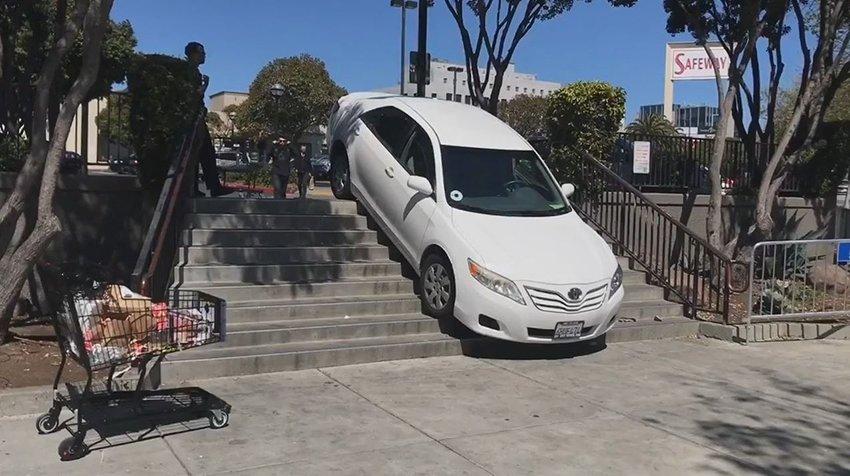 Uber: dopo incidente, in Arizona stop licenza auto autonome