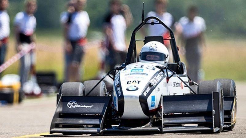 Auto elettrica da record: da 0 a 100 km/h in 1,5 secondi! | MotorLabs