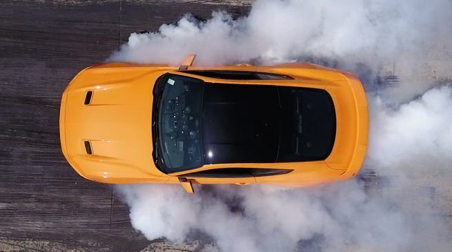 http media autoblog it f f77 ford mustang burnout