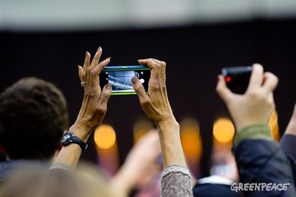 Greenpeace indagine sugli smartphone
