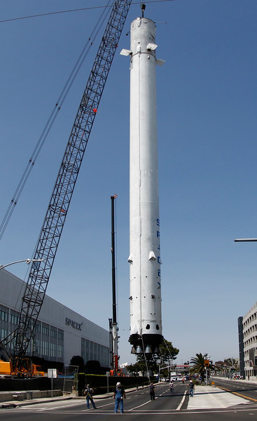 0820 NEW LDN SPACEX F9 LIFT8 L