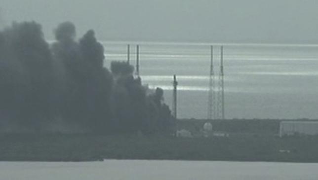 SpaceX, il razzo Falcon 9 esplode a Cape Canaveral