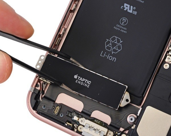 IPhone 7 Plus senza segreti nel teardown di iFixit