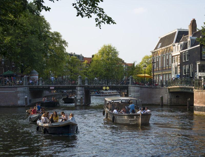 Guida autonoma dall'asfalto all'acqua: ad Amsterdam arrivano le barche senza conducente