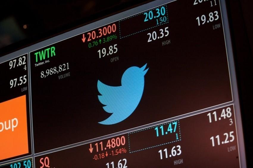 Twitter in vendita: si fa avanti Google. Il titolo decolla