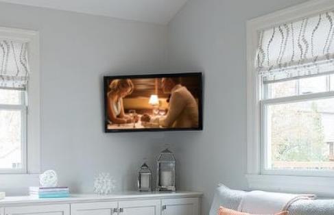 MANHATTAN presenta la Staffa TV che si adatta ad ogni angolo - Tom's Hardware