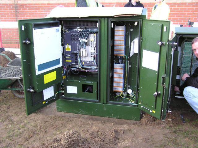 04 BT VDSL2 cabinet