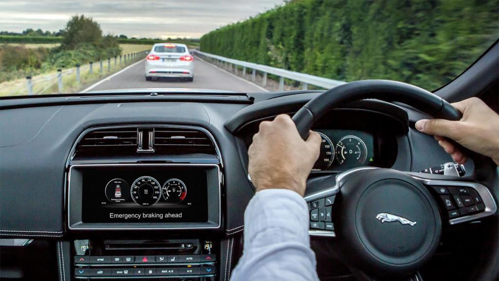 Auto e Moto d'Epoca, a Padova arriva anche la Jaguar Land Rover
