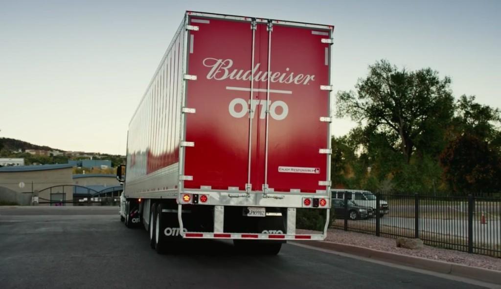 Camion a guida autonoma consegna 50.000 lattine di birra - Tom's Hardware
