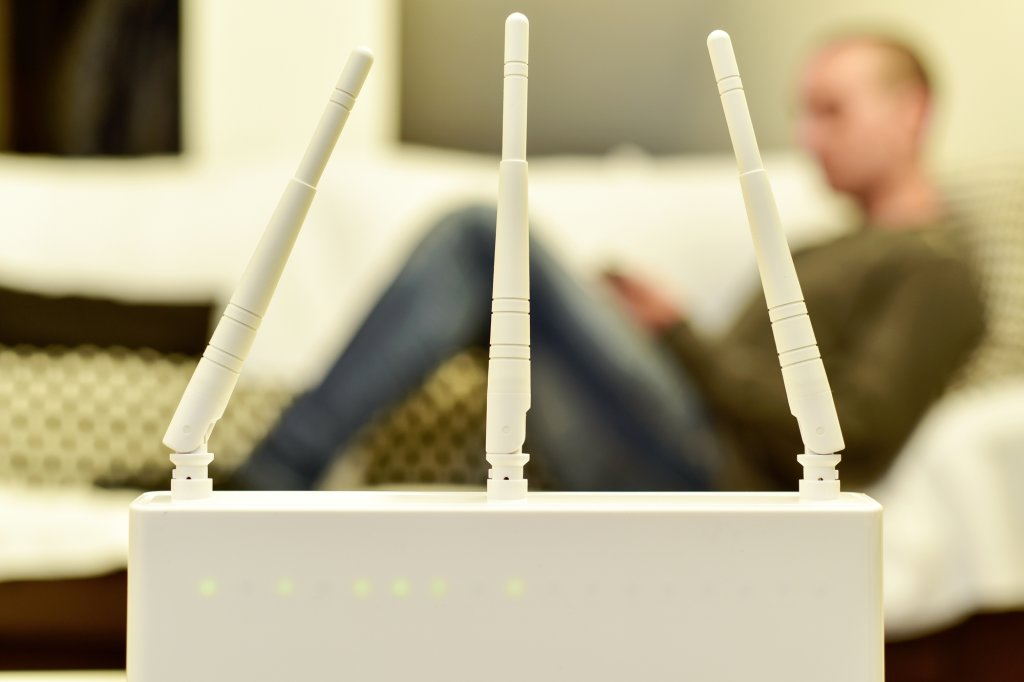 Router Depositphotos 77623582 l 2015