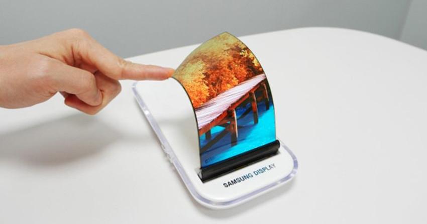 Il design del Samsung Galaxy S8 svelato da una custodia
