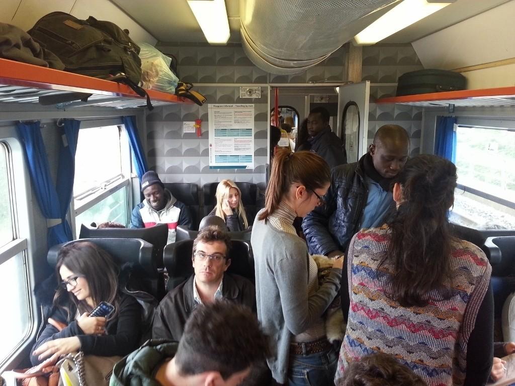 Treni: abbonamenti sovraregionali troppo cari, ei pendolari pagano più del dovuto