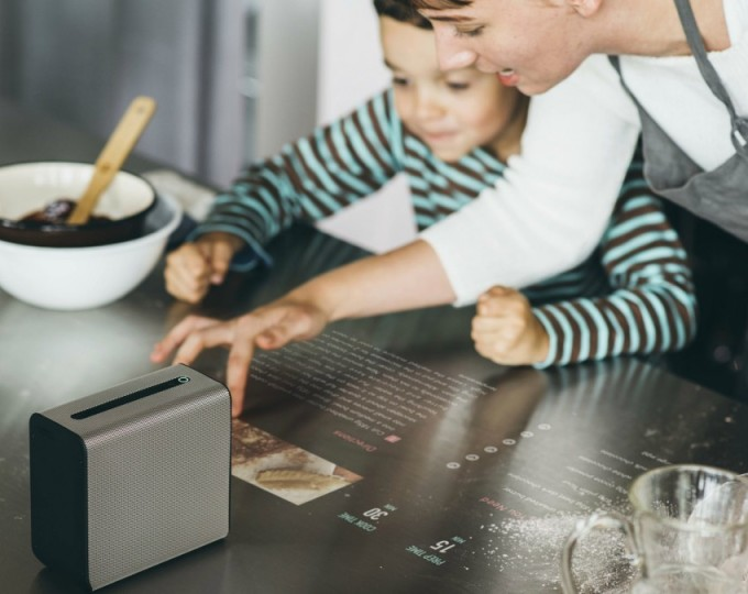Sony Xperia Touch rende touch ogni superficie