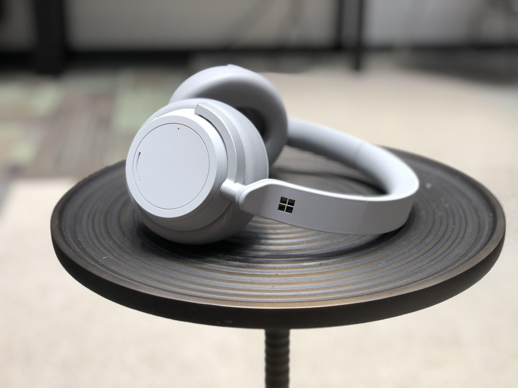 microsoft surface headphones 29