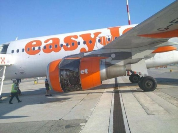 Aereo easyjet perde un pezzo ma non colpa del low cost - Easyjet cosa si puo portare in aereo ...
