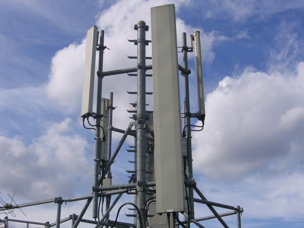 Bando 5G per sette operatori, compresi Open Fiber e Iliad