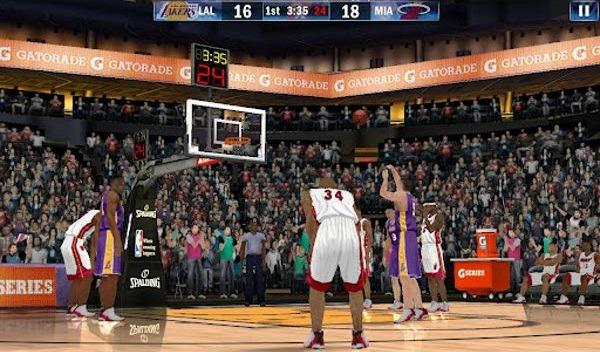 NBA 2K13 permette di prendere il comando della propria squadra di basket NBA  preferita in emozionanti partite 5 contro 5. La modalità partita veloce ... 8075cf7f5d0c