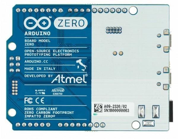 Arduino zero con microcontroller a bit guarda al futuro