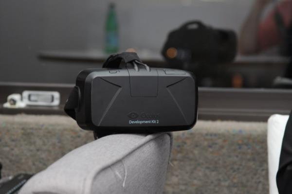 Il visore per la realtà virtuale Oculus Rift sarà venduto al prezzo più basso possibile. Mark Zuckeberg, boss di Facebook e proprietario di Oculus dopo l'acquisizione avvenuta a marzo, vuole […]