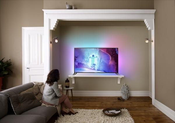 Televisore Philips da 65 pollici con Android e Ambilight