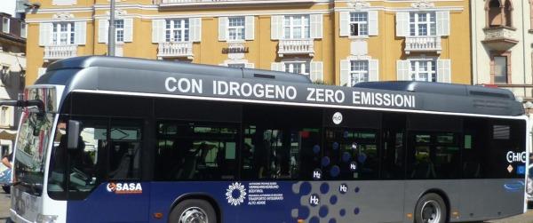 Autobus Dymler alimentato ad idrogeno Bolzano