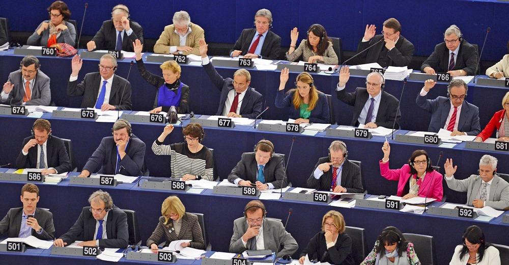 Il parlamento ue approva lo spezzatino di google tom 39 s for Votazioni parlamento oggi