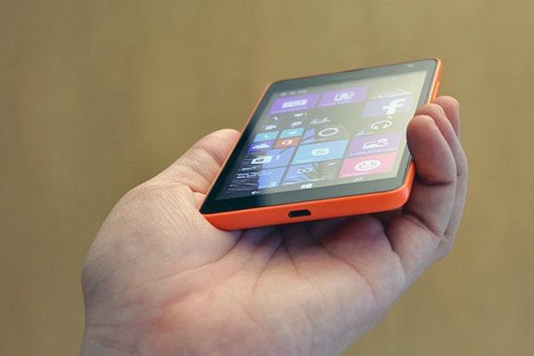Il Lumia 535, venduto a circa 130 euro, è un prodotto che si presta bene per un regalo o semplicemente per cambiare smartphone durante queste festività natalizie. Il suo schermo […]