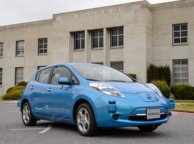 Nissan e nasa alleate per creare l 39 auto che si guida da for L auto che si guida da sola