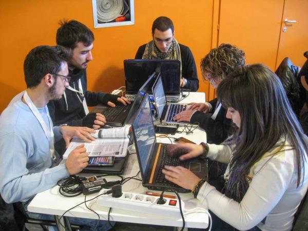 team al lavoro hacktaton