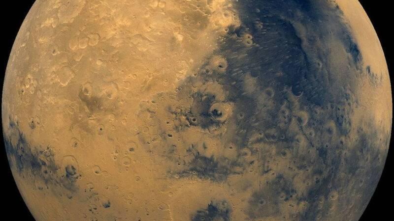 Astronauts train to live on Mars