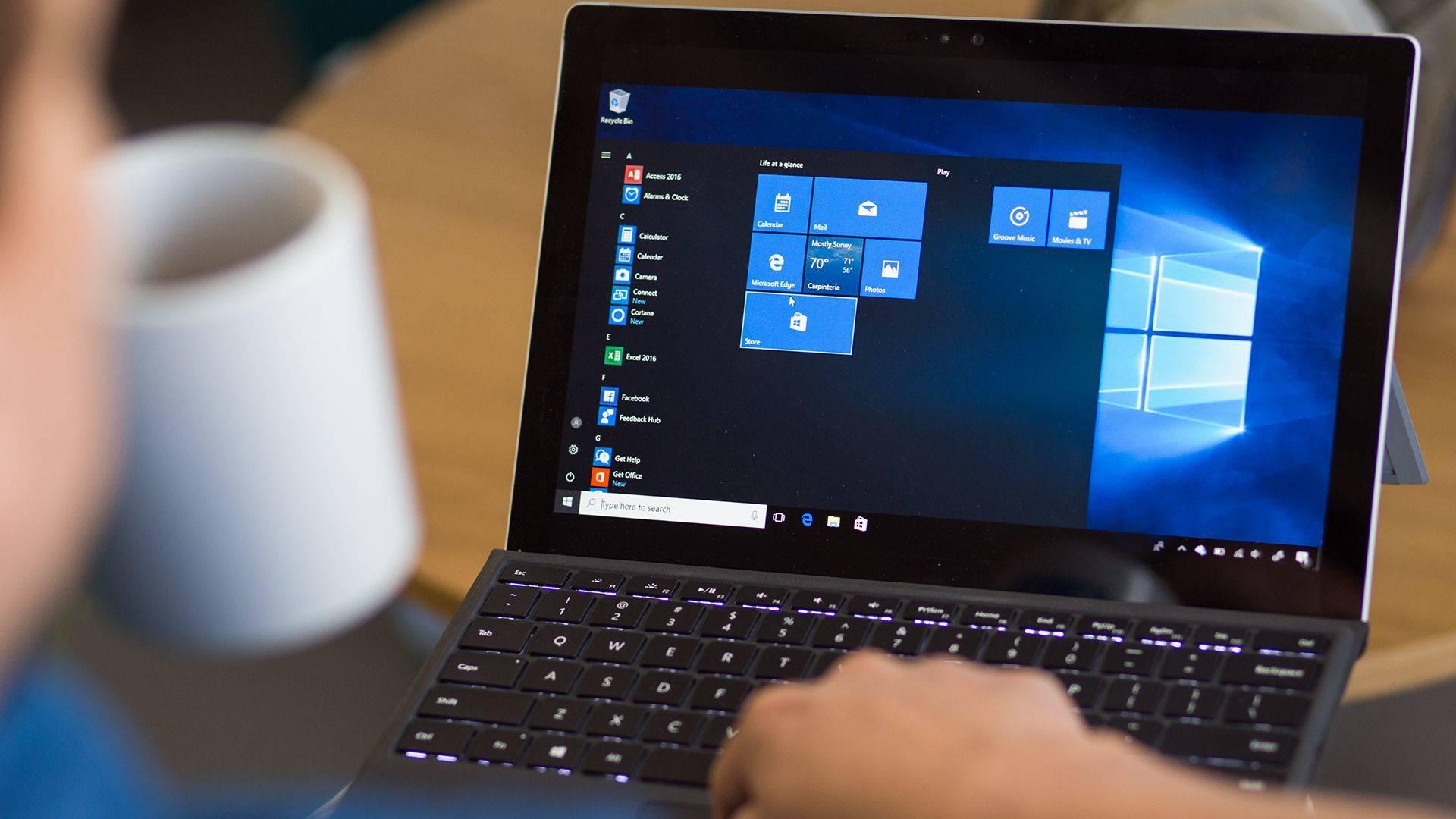 Windows 10 computer Copertina