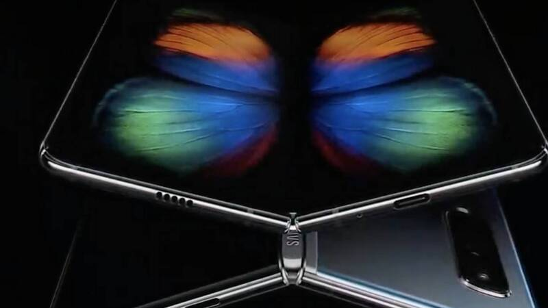 Samsung, al via l'era degli smartphone pieghevoli: benvenuto Galaxy Fold!