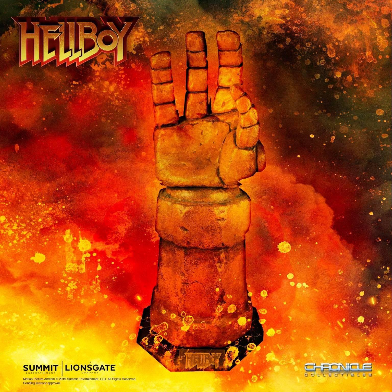 Hellboy replica braccio